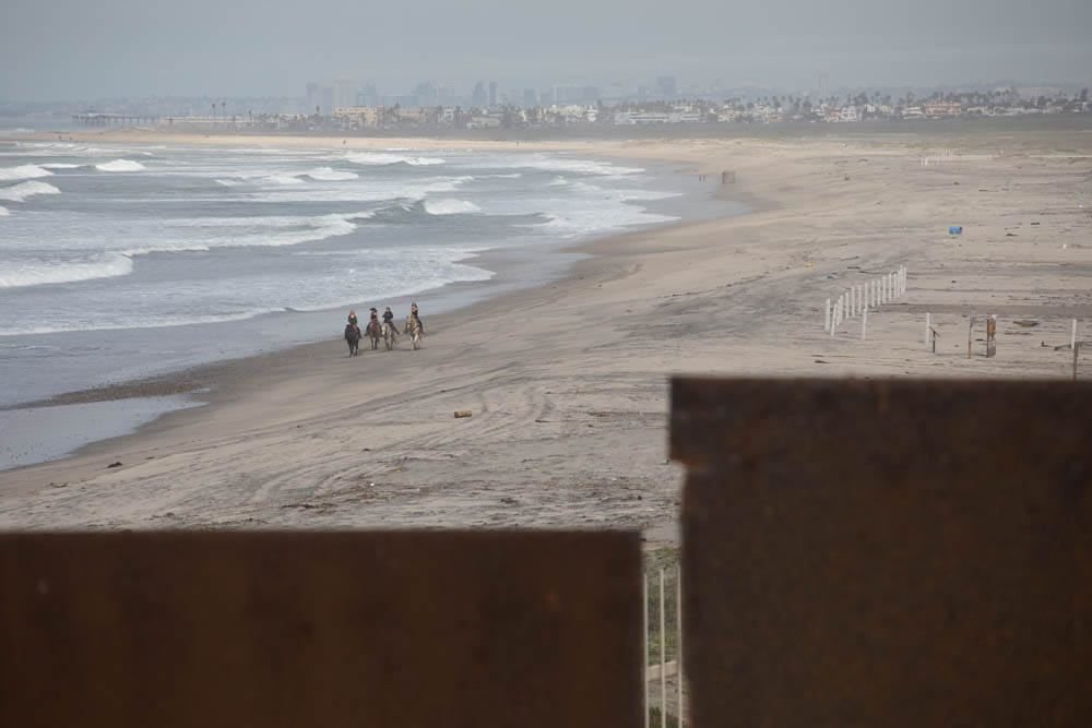 Sight_to_San_Diego_from_behind_the_wall_in_Tijuana_Mexico.jpg