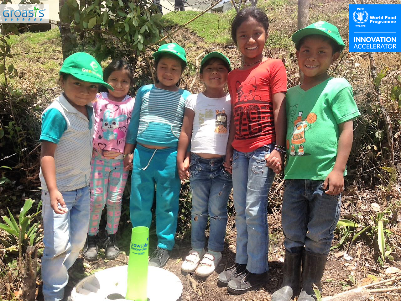 Teaching children how to plant trees so they will have a nutricious and sustainable future 1