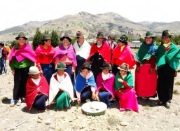 The women from Palmira Ecuador greet you