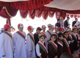 40 Children of the International School of Sohar inauguarate the boxes