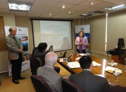 Aida Bladini Gerente Forestal from Conaf the forestation department of the Chilean Ministry of Agriculture opens a Groasis Waterboxx plantcocoon® meeting
