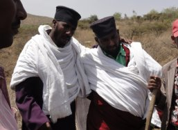 We plant on the land of the Asira Metira Monastry in Kilite Awlalo Ethiopi with R Father Aba Ghebrenedhin Ghebreghiorghis and L Abba Ghebre Kidan