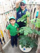 40 Green Musketeer tree planting project in Eciuador elementary school children competition planting trees